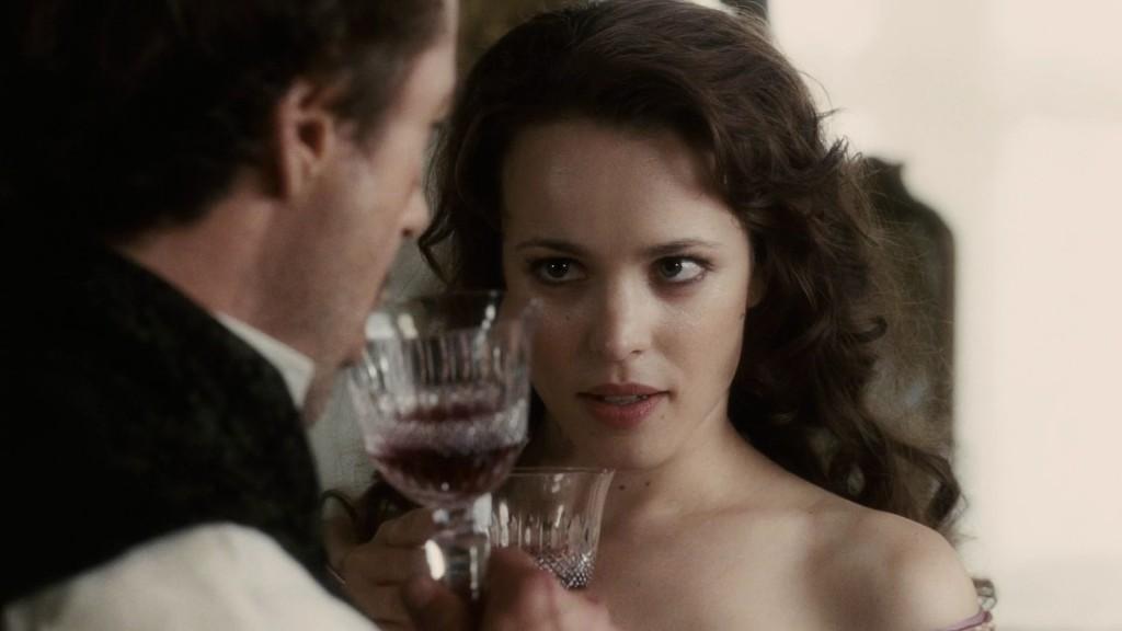 """Смята се, че героинята Айрин Адлър от """"Скандал в Бохемия"""", на Артър Конан Дойл е вдъхновена от Лола Монтес, Рейчъл Макадамс като Айрин Адлър, Sherlock Holmes 2009"""