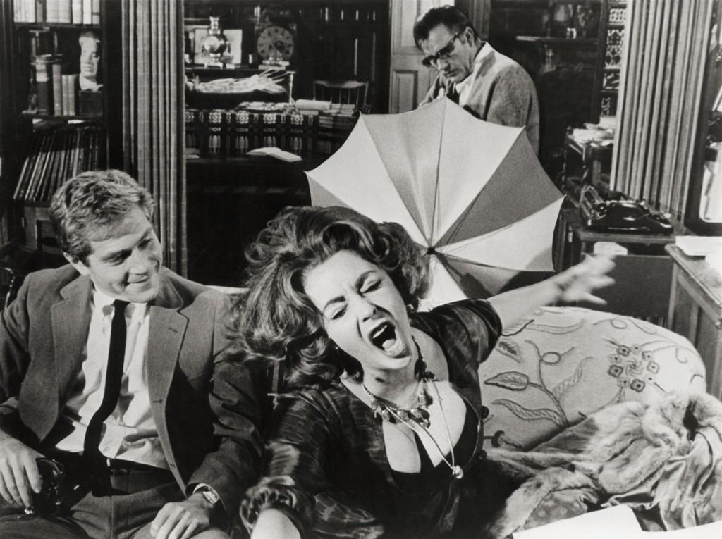 Who's Afraid of Virginia Woolf?1966 (Кой се страхува от Вирджиния Улф?) – Елизабет Тейлър и Ричард Бъртън са в токсичен коктейл от омраза, себеомраза и илюзии. Пиесата, по която е филмът, носи името на британската писателка феминистка, която страда от психично заболяване, което я води до самоубийство.