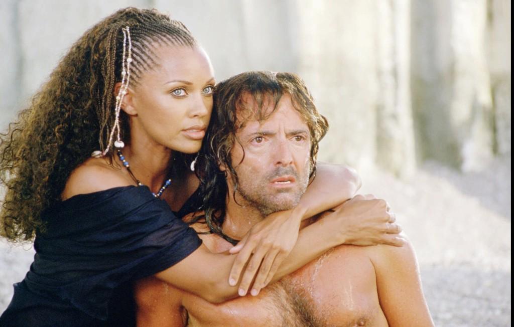 Чрез красотата и песните си Калипсо прави Одисей свой затворник, но тя не може да го накара да забрави дома си / The Odyssey 1997