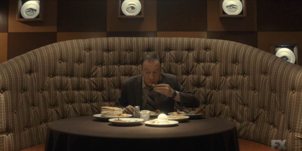 В. М. Варга - въздействащият злодей от трети сезон на Fargo 2014-, има булимия. Той ожесточено се тъпче с храна, която после повръща. Това унищожава зъбите му, които стават метафора на света, от който идва.