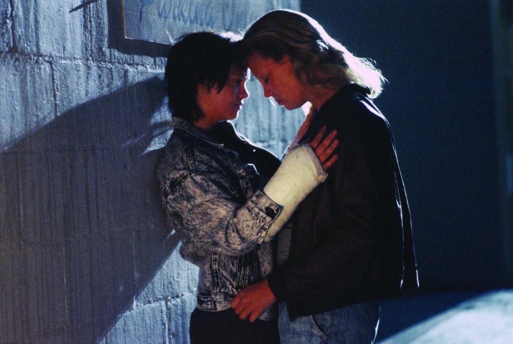 Monster 2003 е биографичен филм за серийната убийца Айлин Уорнос