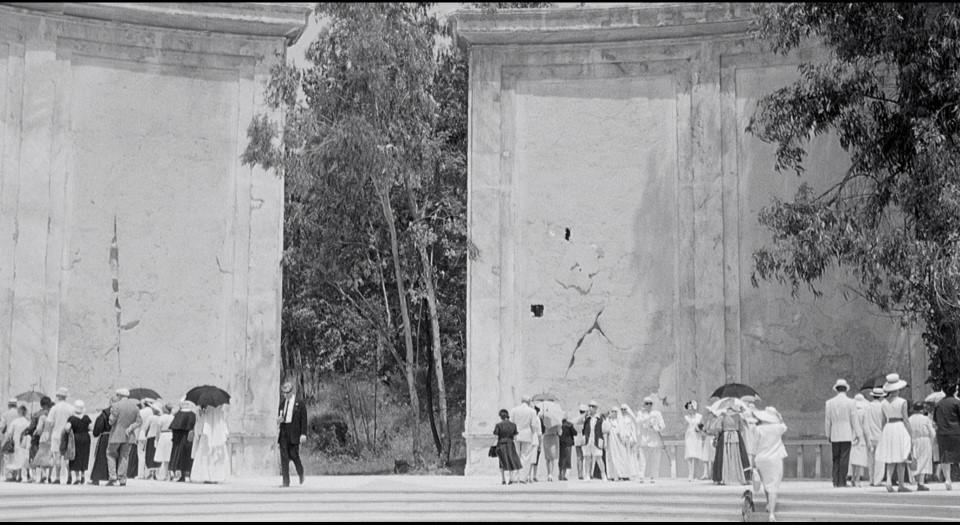 8 1/2 1963 сюрреалистичният театър на спомените на Фредерико Фелини