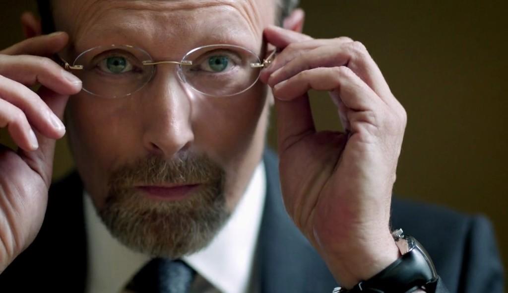 Sherlock 2010- един от трудните противници на Шерлок Холмс е Чарлз Август Магнусен, неговото оръжие е паметта.