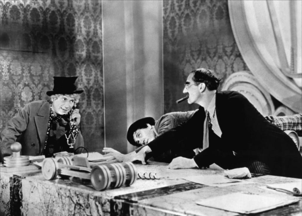 Duck Soup 1933 - класиката на братята Маркс, която вдъхновява Уди Алън, Уес Андерсън, Сет Макфарлин, Саша Барън Коен…